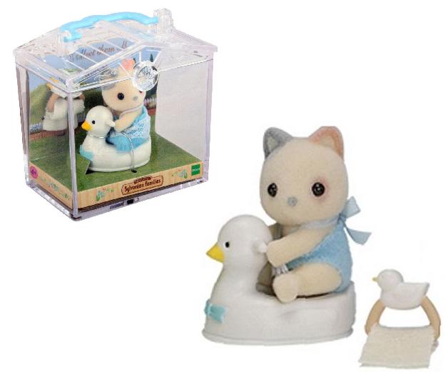 Фигурка Sylvanian Families: Младенец в пластиковой коробке 3330 - Котенок на уточке
