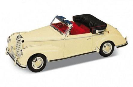 Модель машины Mersedes Benz 300S - Welly